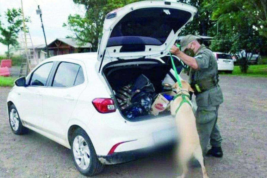 Dos mujeres circulaban en un auto con carga de marihuana