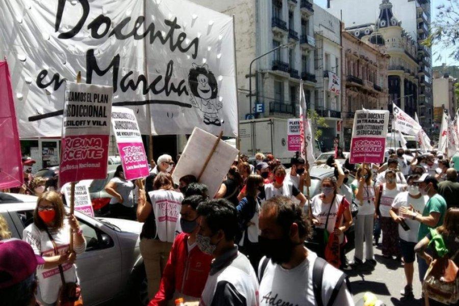 Falleció un docente por covid-19 y sus compañeros responsabilizan al Gobierno porteño
