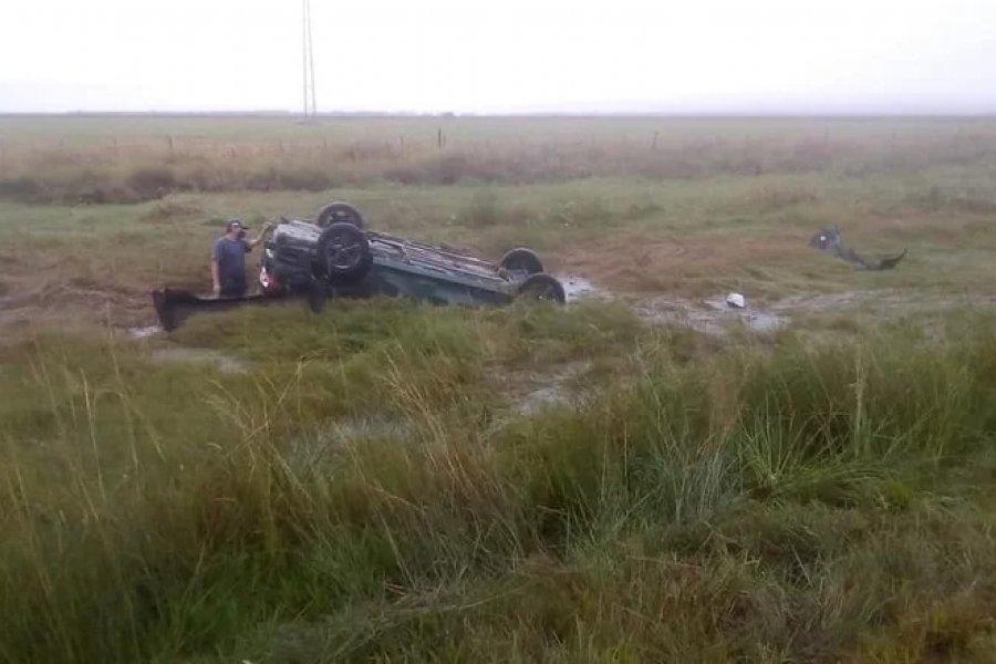 Hallaron un auto volcado y sin ocupantes en La Cruz