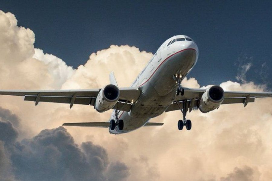 Detectaron un caso de COVID-19 en un vuelo que llegó de Miami