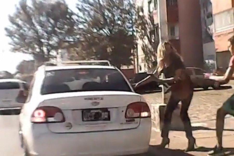 Una mujer sufrió un violento arrebato por Avenida Maipú
