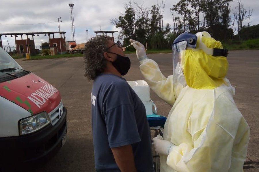 Realizan hisopados gratis a transportistas en las fronteras