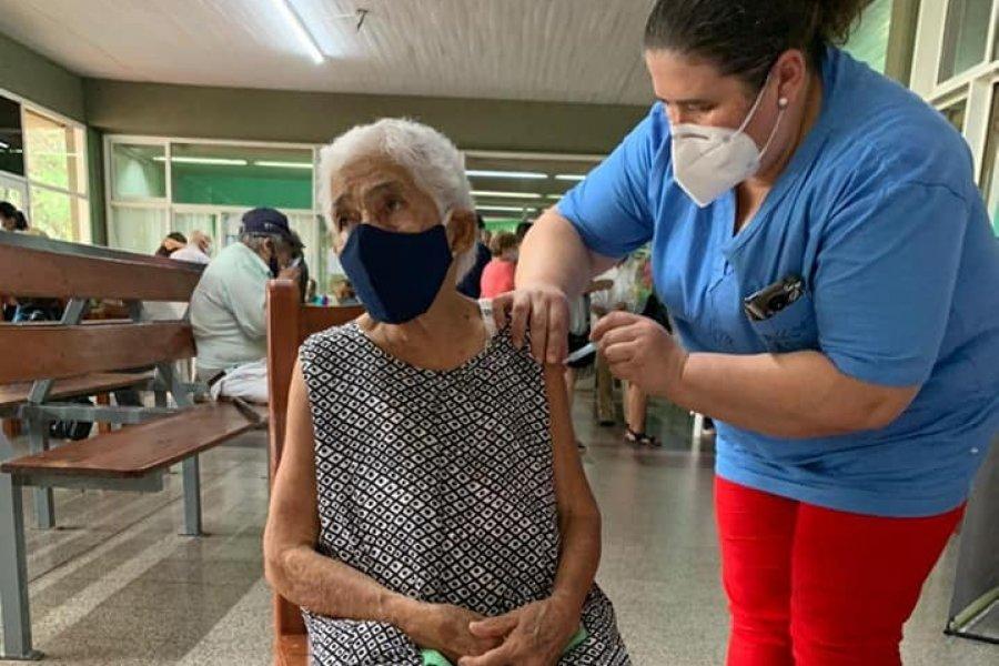 Más de 98 mil mayores de 65 años pidieron turno para vacunarse