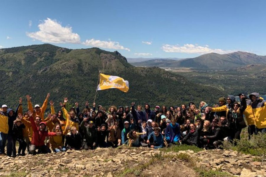 Llegaron dos vuelos de Bariloche con 78 estudiantes infectados