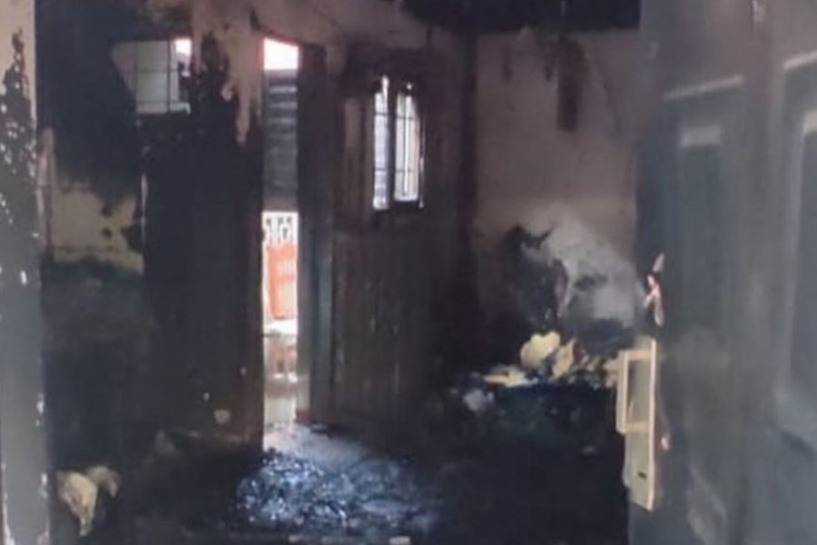 Prendieron fuego el departamento de una estudiante luego de robarlo
