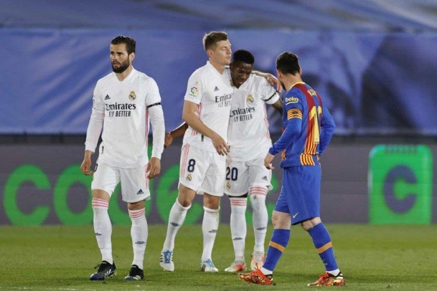 Real Madrid derrotó al Barcelona de Messi y llegó a la punta