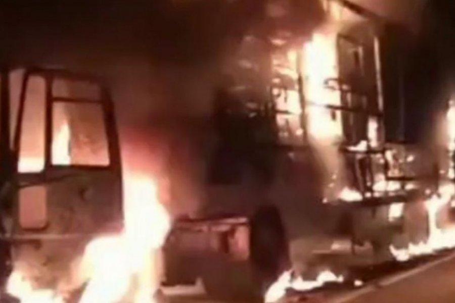 Un camión se incendió sobre la Ruta Nacional 14