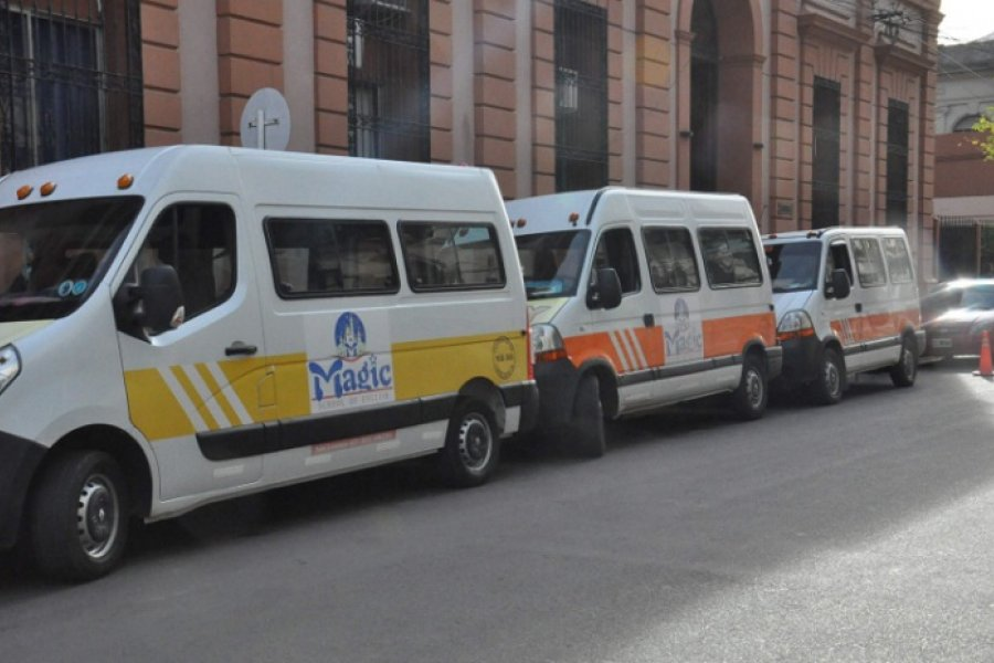 Transportistas escolares marchan por pedido de asistencia estatal