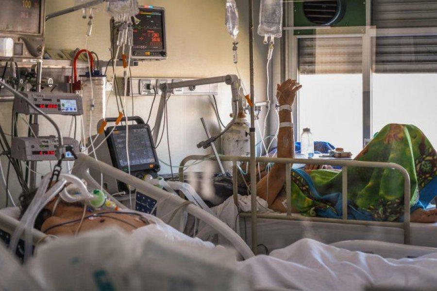 """La OMS advierte que """"la pandemia de COVID-19 está muy lejos de terminar"""""""