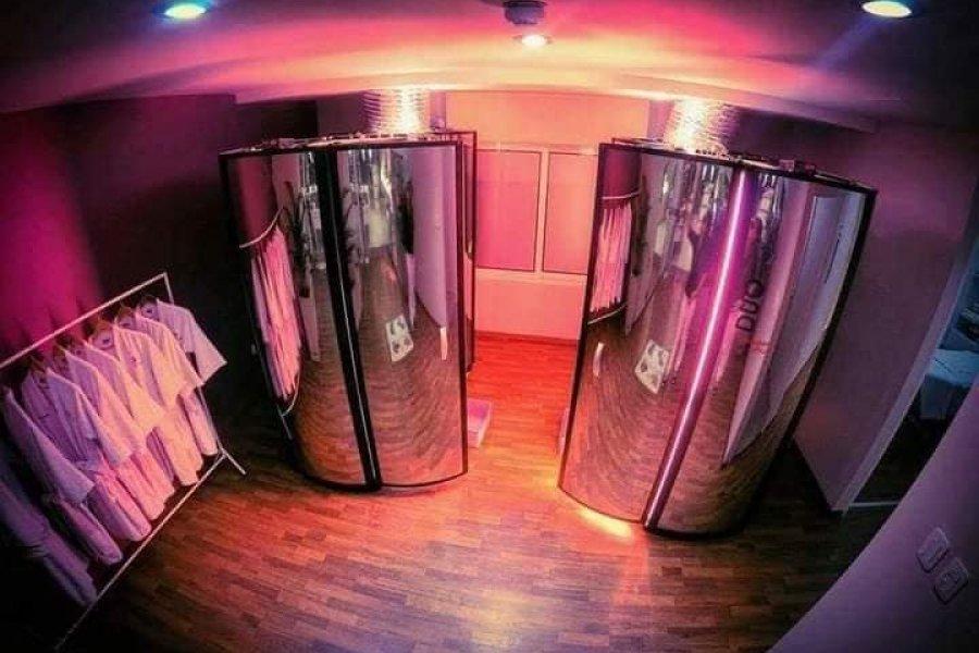 Cabinas Verticales y Sauna relajantes en el Salón & Spa  de Sandra Espínola