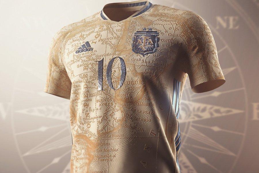 Falklands en vez de Malvinas: el diseño de la camiseta de la Selección Argentina que generó repudio