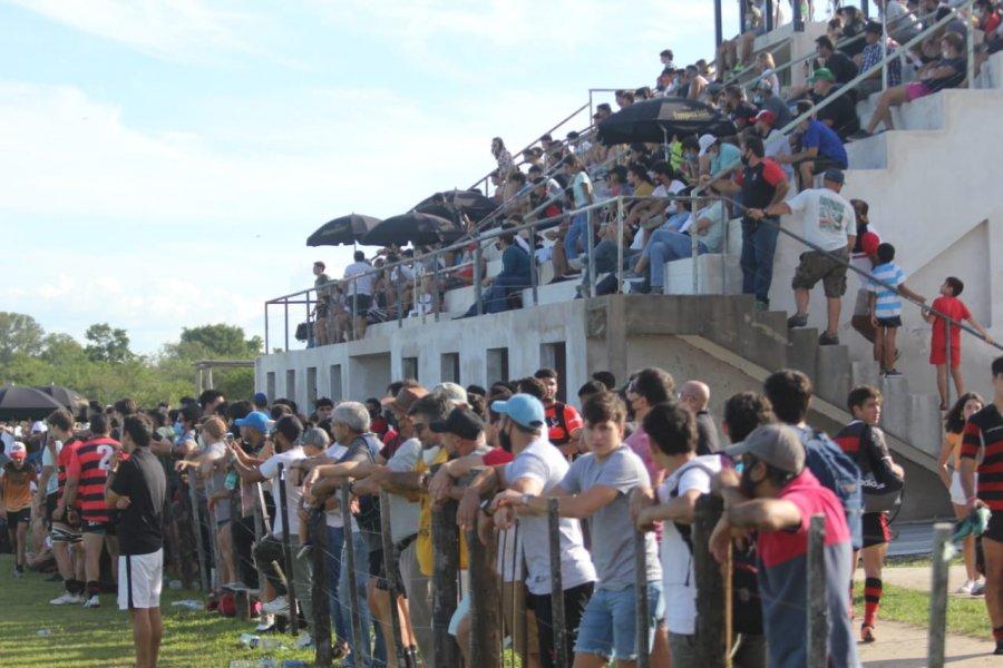 Impresionante multitud en un partido de rugby