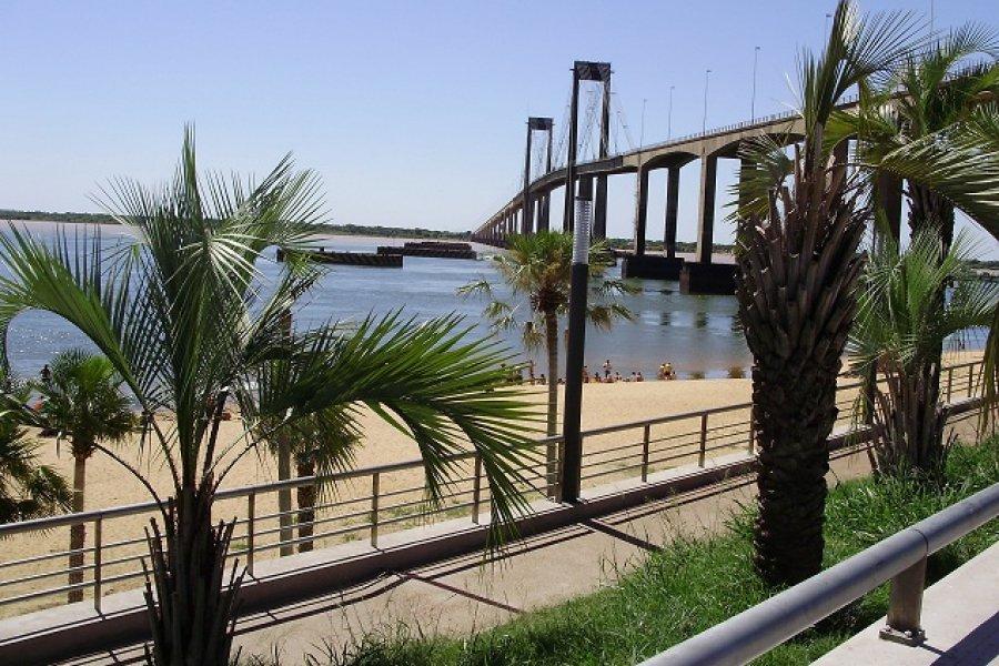 Día cálido con cielo despejado en Corrientes
