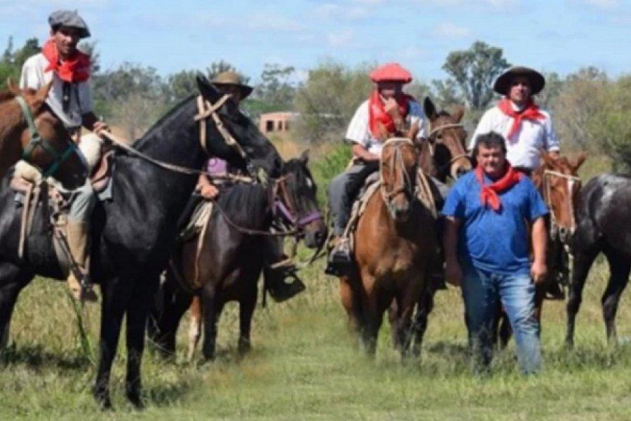 Llegaron a caballo desde Córdoba al santuario del Gaucho Gil