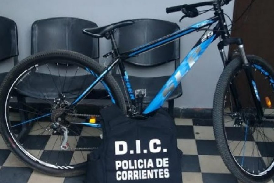 En diversos procedimientos policías recuperaron una moto y una bicicleta