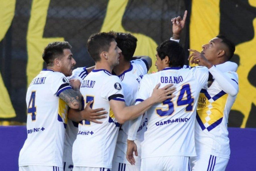 Boca debutó con un triunfo contra The Strongest en la altura