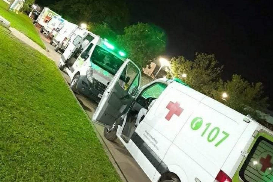 Corrientes: Fila de ambulancias para ingresar al Hospital de Campaña