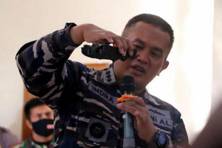 Indonesia halló el submarino desaparecido con sus 53 tripulantes muertos