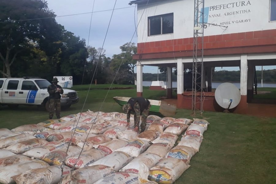 Prefectura evitó el contrabando de 4 toneladas de soja en Garruchos
