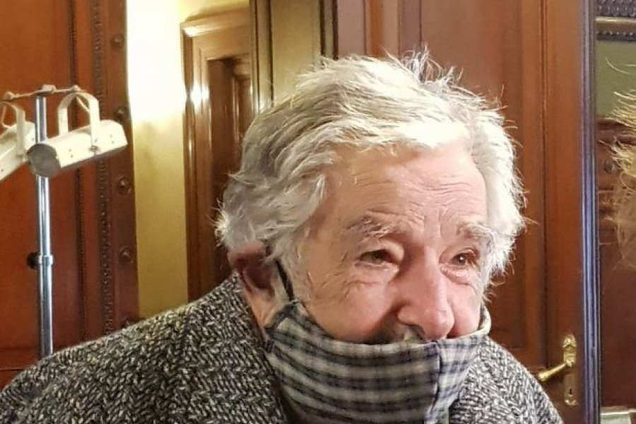 Uruguay: operan de urgencia el expresidente Mujica