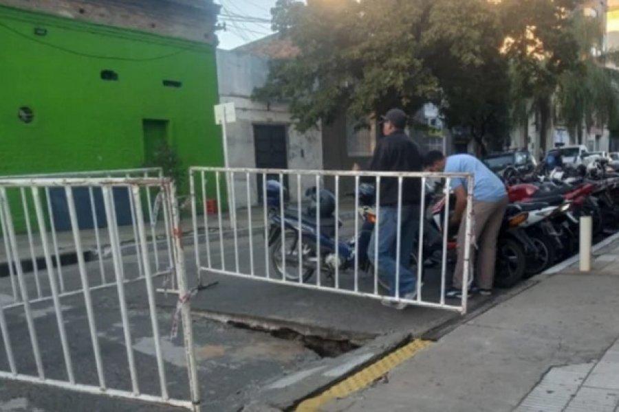 Se hundió el asfalto en calle San Martín