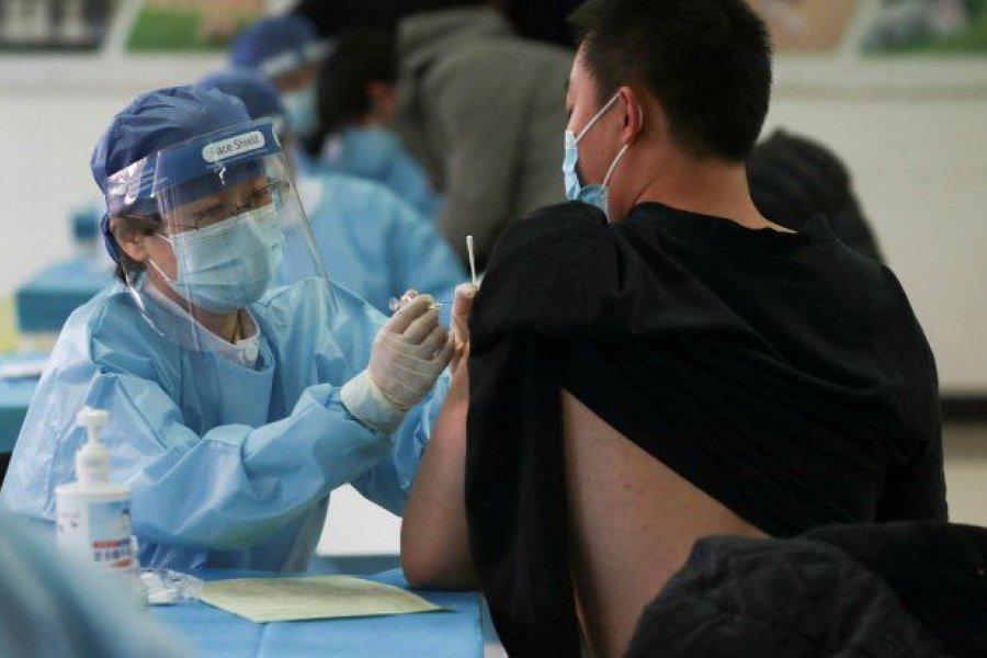 China analiza combinar sus vacunas contra el COVID-19 para potenciar su efectividad