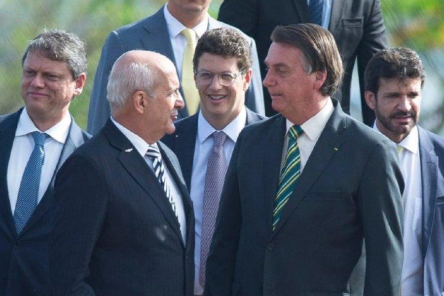 El jefe de gabinete de Brasil confesó que se vacunó a escondidas de Bolsonaro