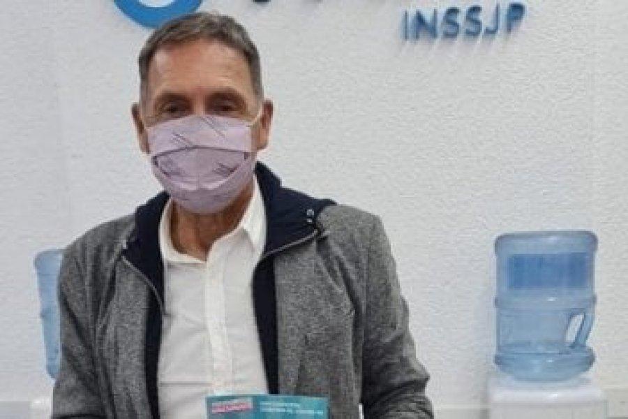 Miguel Ángel Russo se vacunó contra el coronavirus