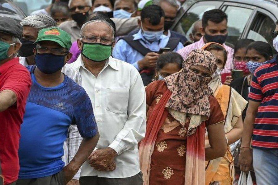 Segunda ola devastadora en India: más de 400.000 casos de coronavirus en un día