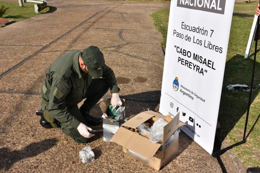Gendarmería halló marihuana escondida entre retazos goma espuma
