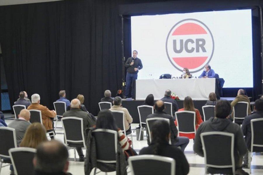Valdés ungido como candidato prometió campaña hasta en las capillas