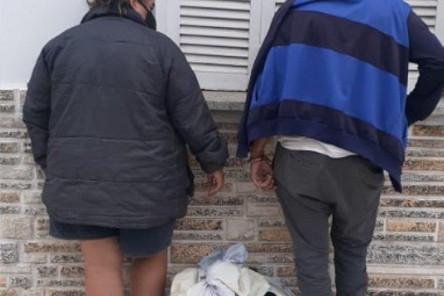 Detuvieron a una pareja que fue filmada cuando robaba una moto