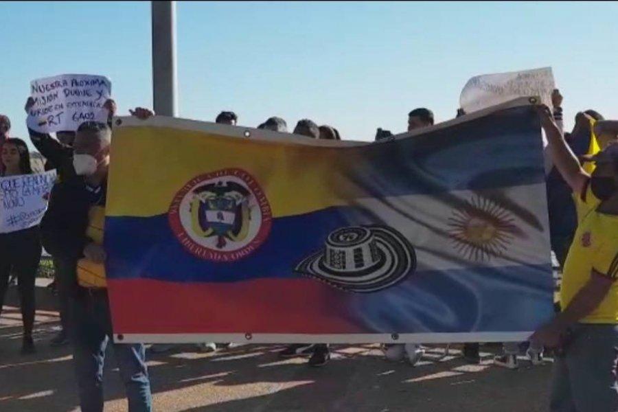 Colombianos se manifestaron en Corrientes contra de la represión en su país