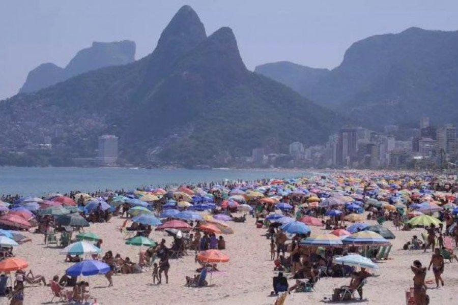 Río de Janeiro reduce restricciones mientras el coronavirus hace estragos en Brasil