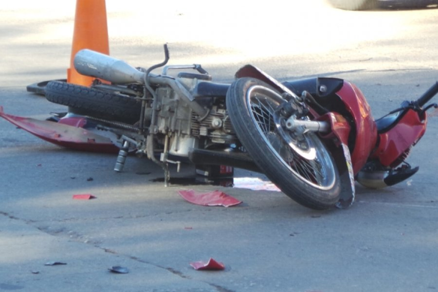 Trágico: Motociclista murió al chocar contra una palmera