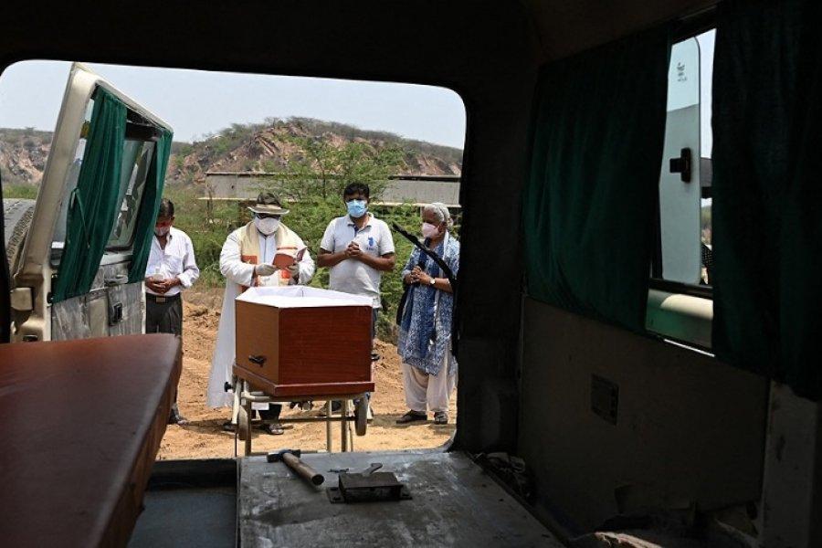 India reportó un récord de más de 4.000 muertos por coronavirus en 24 horas