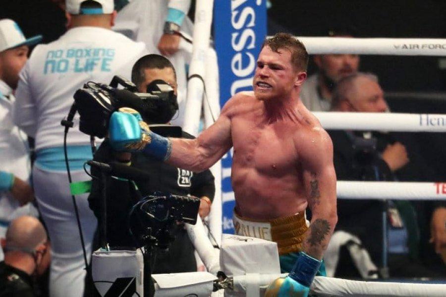 Canelo Álvarez derrotó a Billy Joe Saunders
