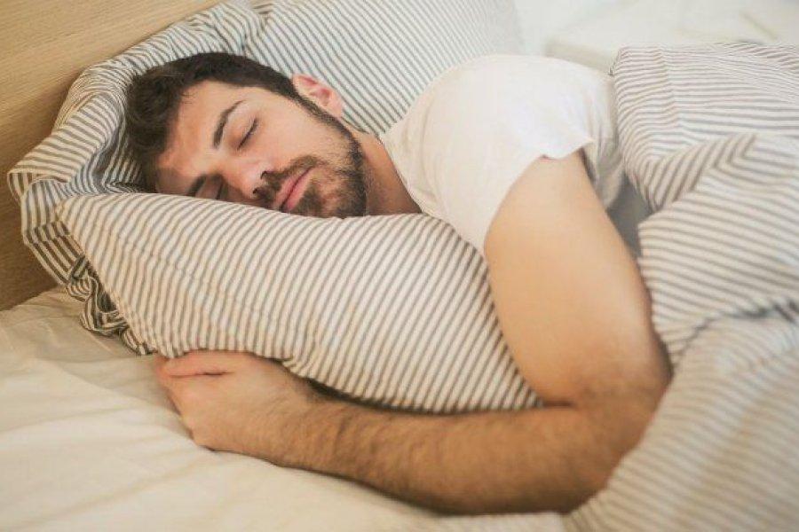 Empresa paga u$s1.500 por hacer la siesta todos los días: cómo aplicar desde Argentina