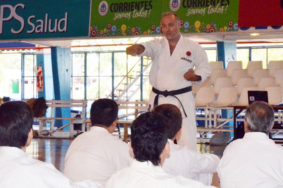 Se viene un sábado a puro karate en el Regatas