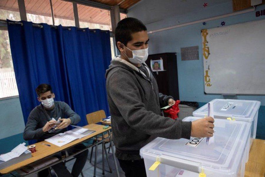 Chile define hoy su histórica elección para reformar la Constitución