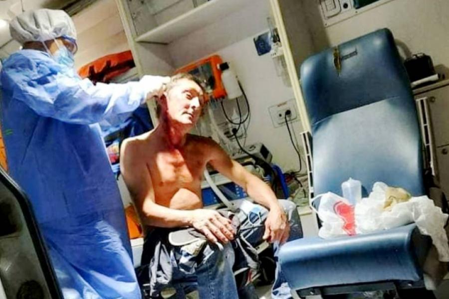 Atacaron a botellazos a un hombre en una riña callejera