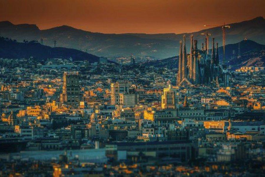 """España reabre el turismo para """"personas vacunadas"""", salvo los que tienen la Sputnik V"""