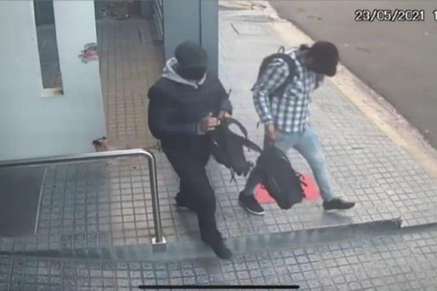 Subieron por la terraza y robaron $150.000 de un departamento céntrico