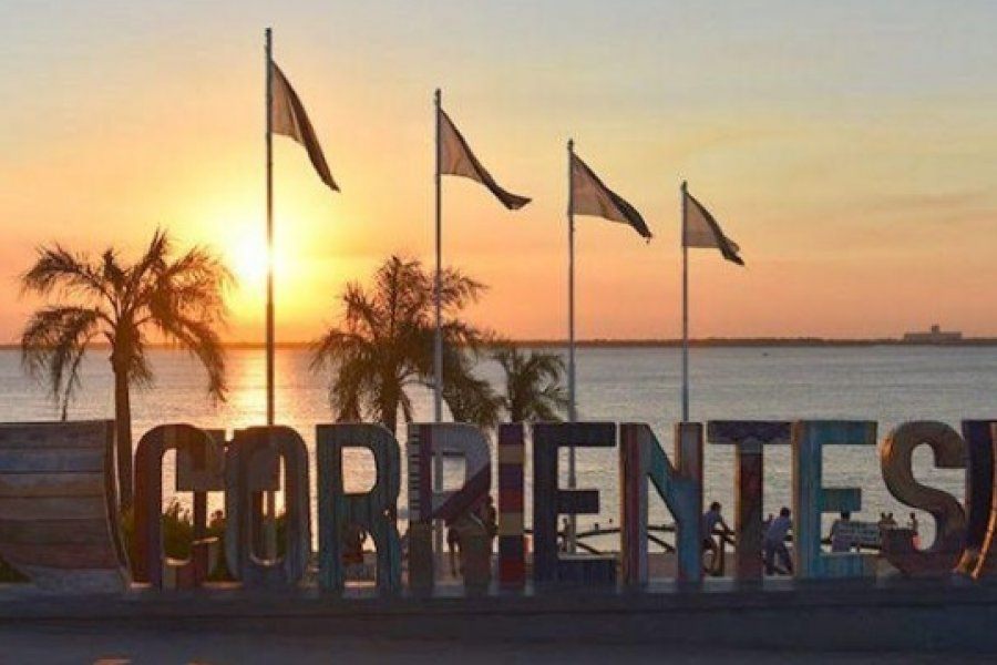 Más luminarias para Corrientes pero pagadas por vecinos
