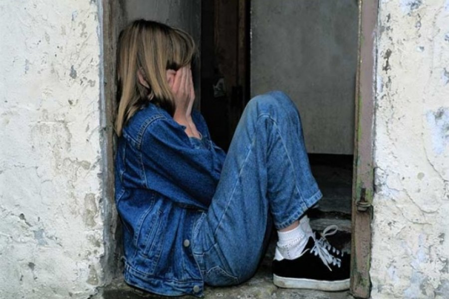 Nena de 10 años deambulaba sola por la calle y denunció maltratos de su padrastro