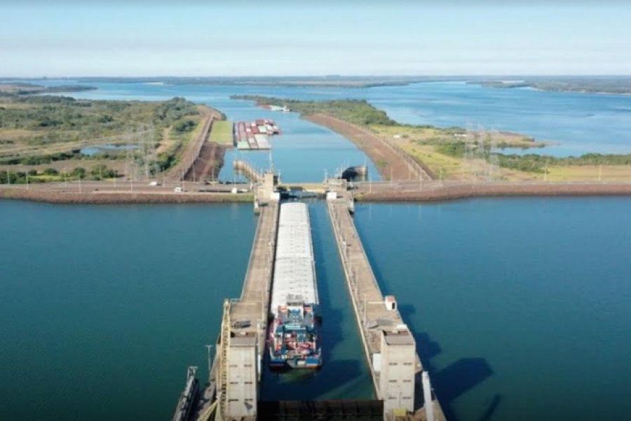 Gracias al aumento de caudales se reinició el paso de remolcadores y barcazas por la esclusa de navegación de Yacyretá