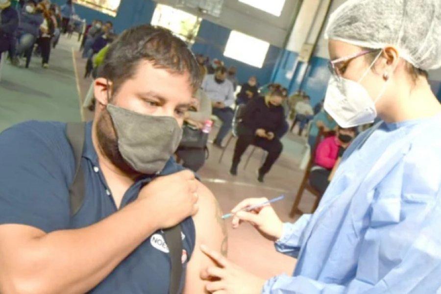 Continúa este viernes la vacunación a personas con obesidad en el Llano