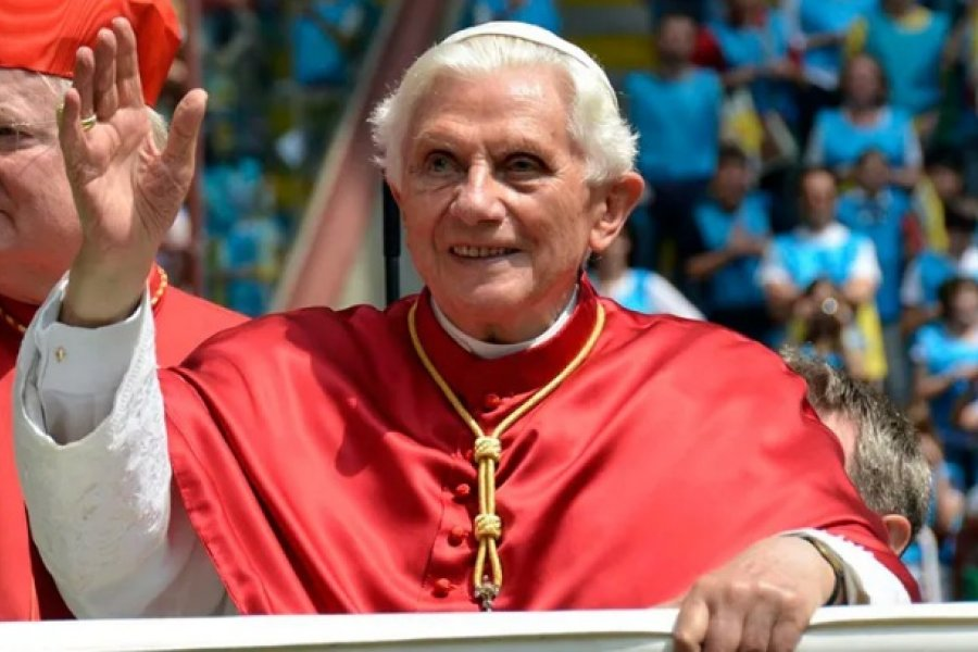 Hoy Benedicto XVI cumple 44 años como Obispo