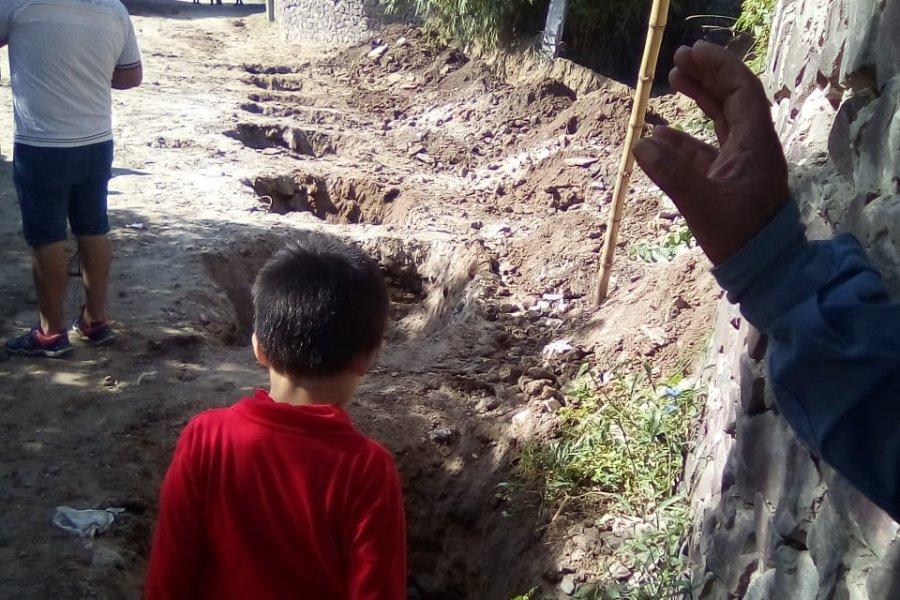 Vecinos preocupados ante el avance de una arenera en el barrio Astilleros