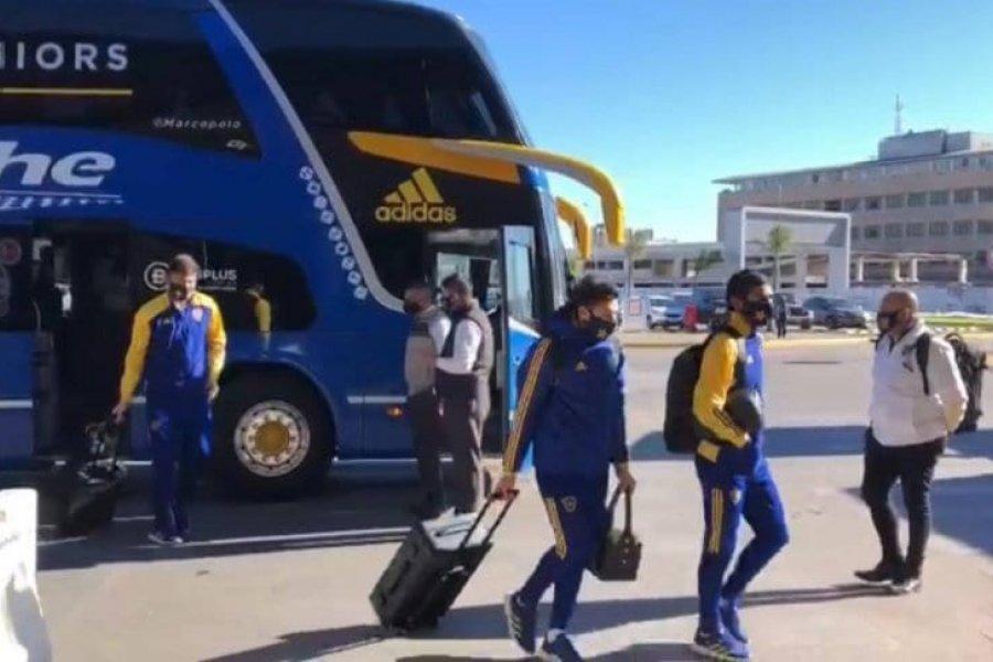 """Boca viajó a San Juan: 24 concentrados y tres """"acompañantes"""""""